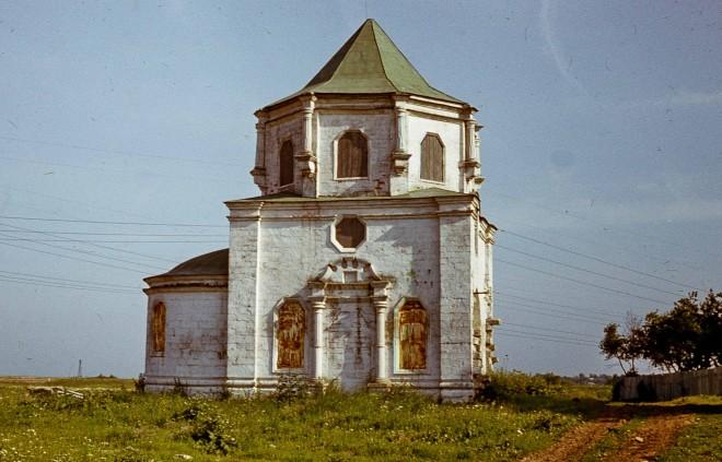 Церковь в Стрелково, 1982